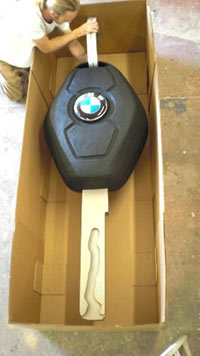 Giant_BMW_Key_In_Box